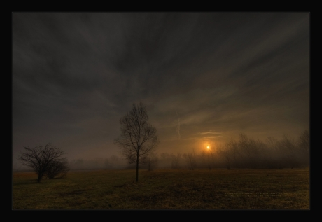 Eerie_Sunrise_by_lowapproach