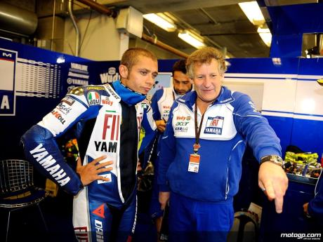 Valentino Rossi and Chief Mechanic Jeremy Burgess in the Fiat Yamaha garage