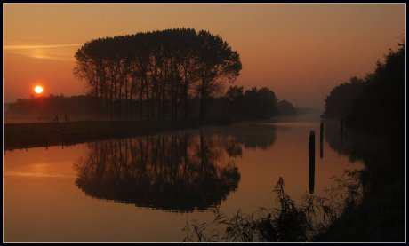 Sunrise_at_the_Canal_by_jchanders