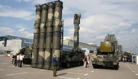 9K81_S-300V_surface_to_air_missile_Russia_Russian_army_001